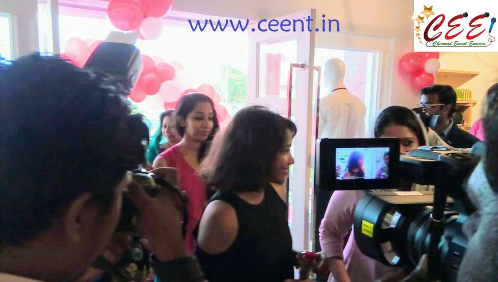 Chennai Event Emcees and Entertainers Nandhini Aravindan and Thamizharasan at 5th Avenue Multistore Launch